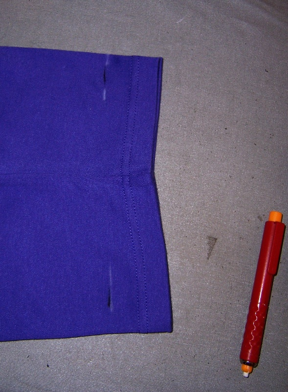 measuring hem with marked ruler3