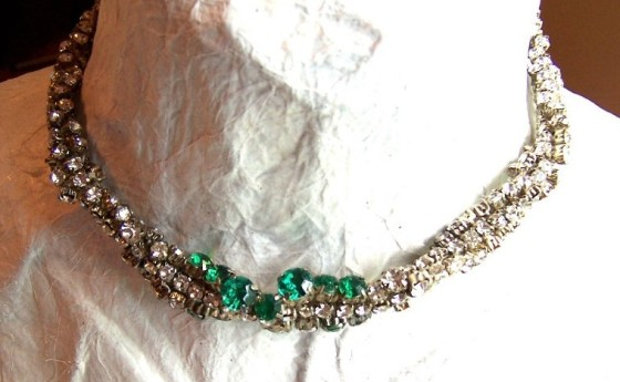 Emerald rhinestone formal necklace