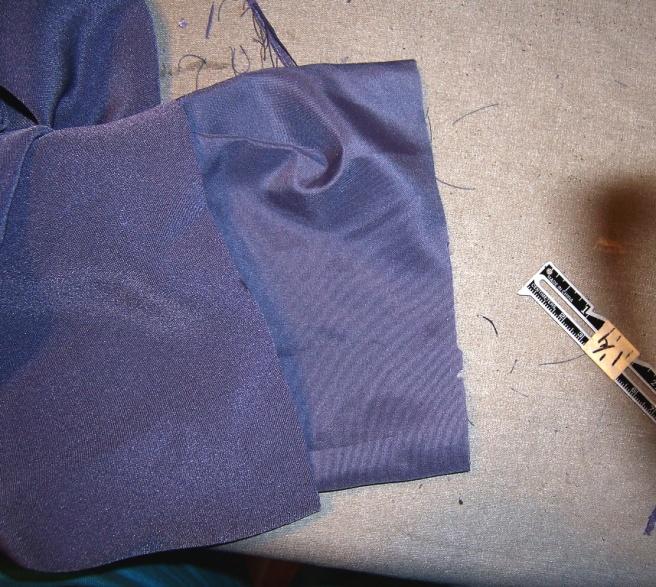 Lined Sleeve Hem 03