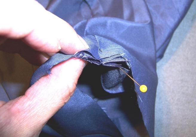 Lined Sleeve Hem 08